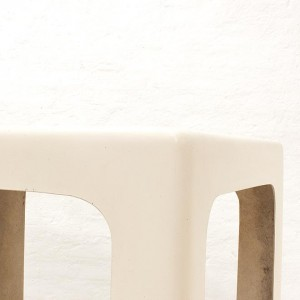 French-fiberglass-table