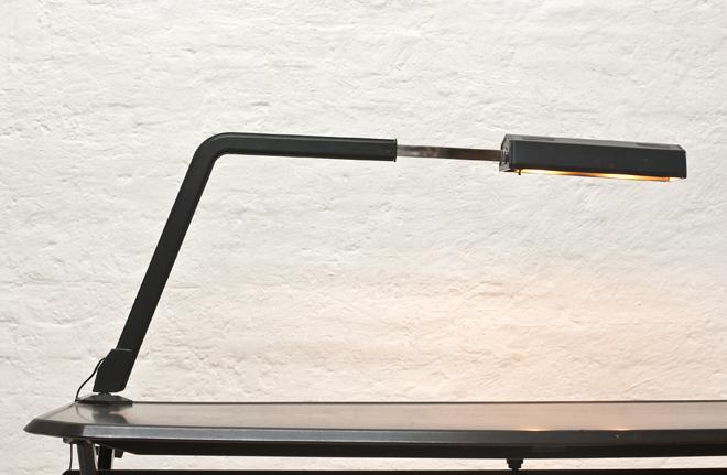 BBBR-Arco-desk-lamp-1963-Olivetti