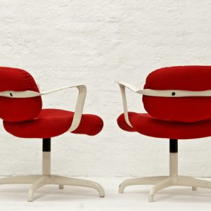 Andrew-Morrison-Bruce-Hannah-1970-Knoll-chair-2328