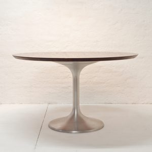 table-beppe-vida-ny-form-1960