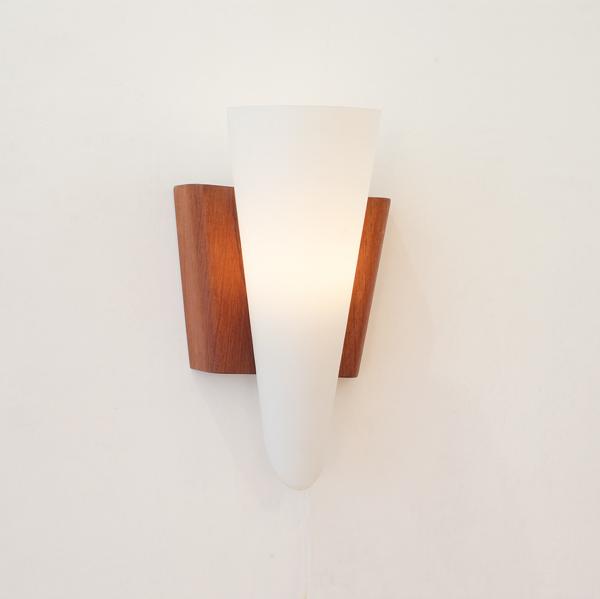 holm-sörensen-wall-light-1950