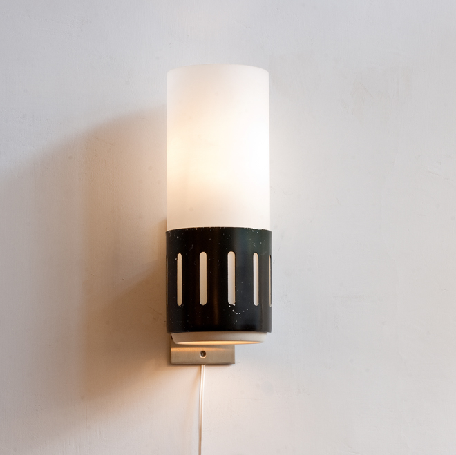 Stilnovo-1970-wall-light
